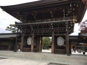 寒川神社の立派な門